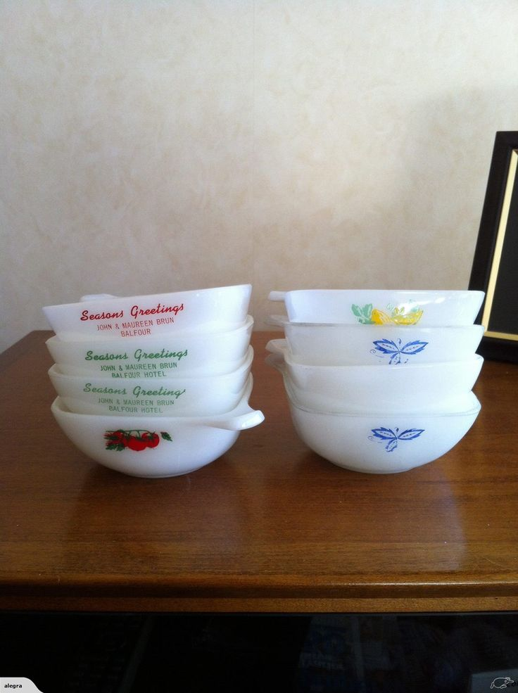 CROWN FOR PYREX SET OF MILK GLASS SERVING DISHES | Trade Me