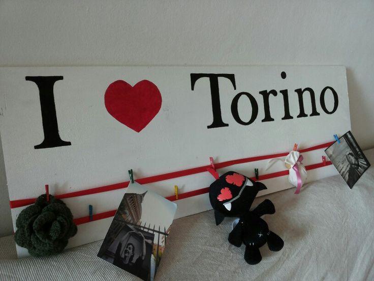 """Linea """"I love"""" #legno #wood #quadro #pensiero #fattoamano #regalihandmade #portafoto #foto #palletwood #pallets #legnodirecupero #legnoart #riciclo #bianco #vernice #totalwhite #white #perlacasa #design #ricordi #torino #torinotiamo #ilovetorino #vivitorino  #torinoècasamia #love #amore #amo #cuore #rosso #white Tutto interamente personalizzabile! http://colombipc.wix.com/erikahandmade"""