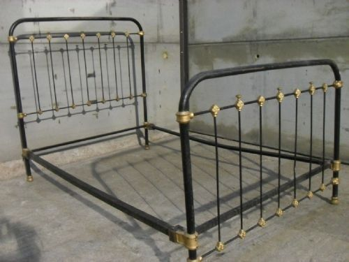 Victorian Cast Iron Frame Three Quarter Bed With Side