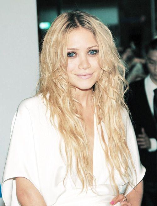 olsenHair Colors, Eye Makeup, Hairmakeup, Long Hair, Mary Kate Olsen, Hair Makeup, Celebrities Hairstyles, Pastel Hair, Olsen Twin