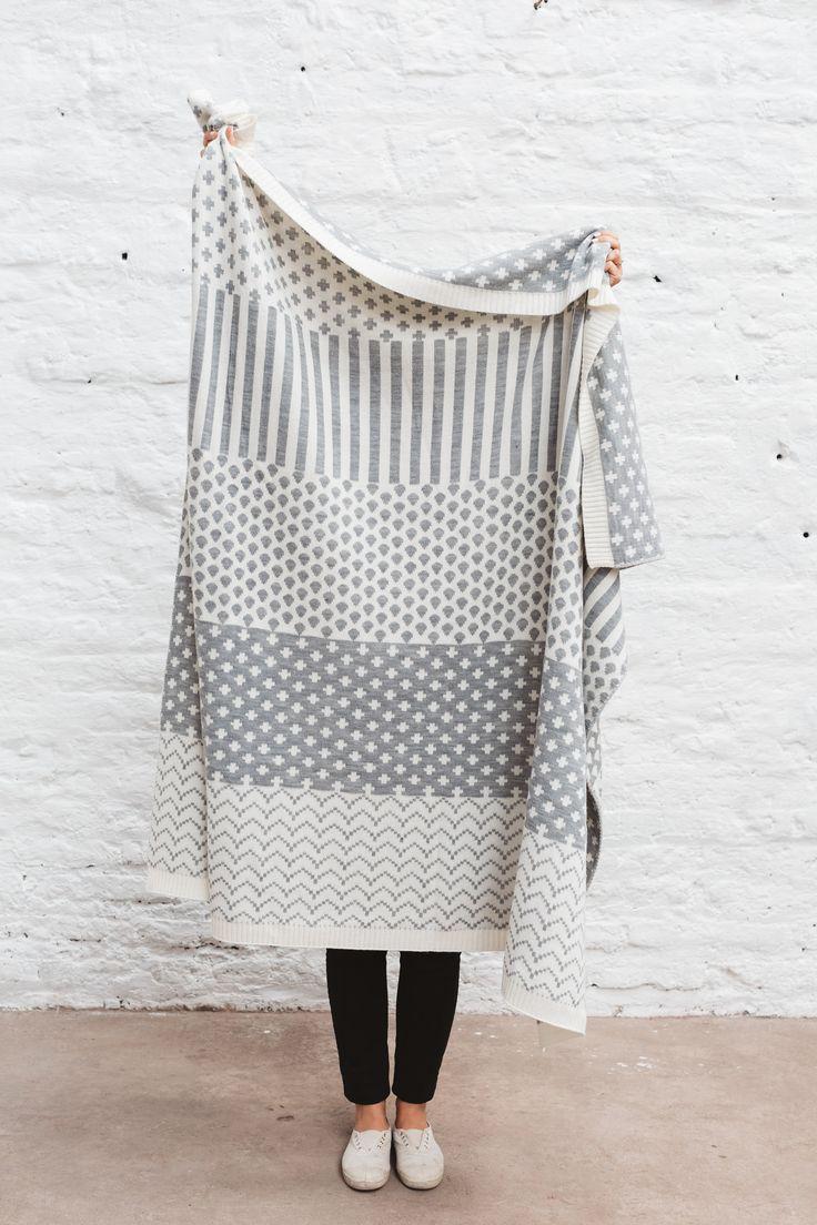 Knitted Wool Blanket Grey