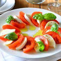 カプレーゼ トマトとモッツァレラのサラダ