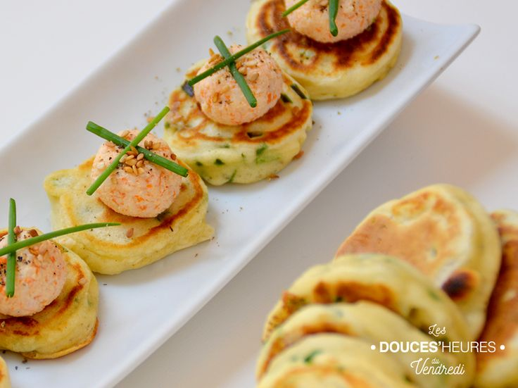 Pancakes apéritifs ciboulette et boulettes de crabe