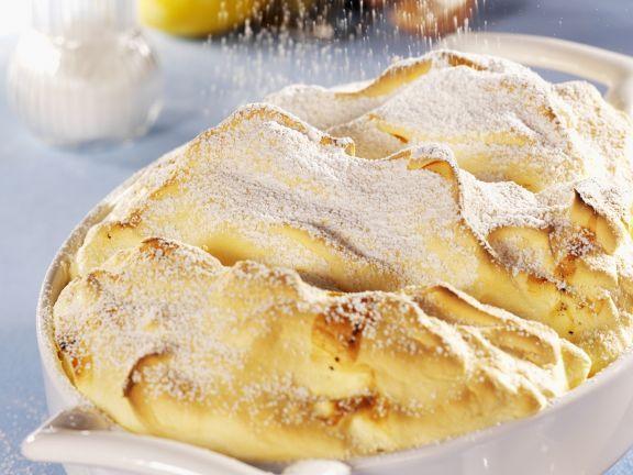 Salzburger Nockerl mit Puderzucker und Vanille ist ein Rezept mit frischen Zutaten aus der Kategorie Eier. Probieren Sie dieses und weitere Rezepte von EAT SMARTER!