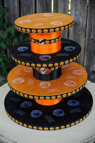 halloween serving tree: Cupcake Stands, Halloween Themed, Art Cupcake, Fall Halloween, Awesome Cupcake, Lovabl Food, Halloween Foodstuff I Lov, Halloween Cupcake, Themed Cupcake