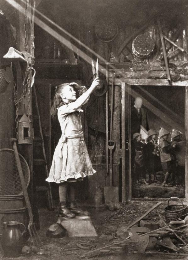 """1886 """"Couper un rayon de soleil"""". Une photo très avant gardiste et inspirée..."""