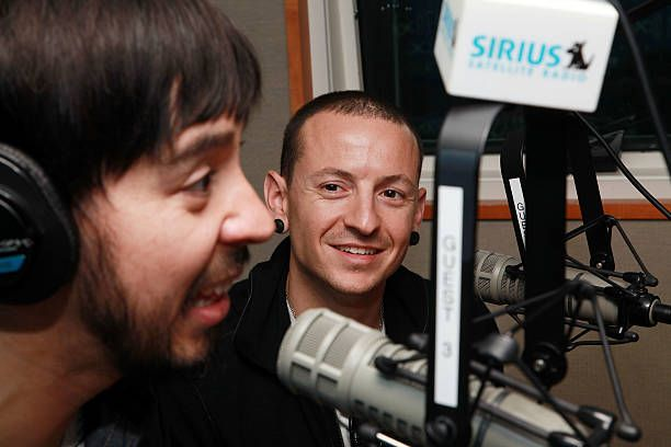 Guitarist Mike Shinoda and singer Chester Bennington of the rock band Linkin Park visit SIRIUS XM Studio on September 16, 2010 in New York City.