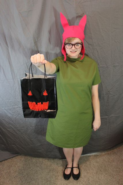 How-to: Louise Dress from Bob's BurgersHands Occupied Com, Louise Dresses, Dress Tutorials, Dresses Tutorials, Burgers Dresses, Halloween Costumes, Burgers Costumes, Handsoccupied Com, Bobs Burgers