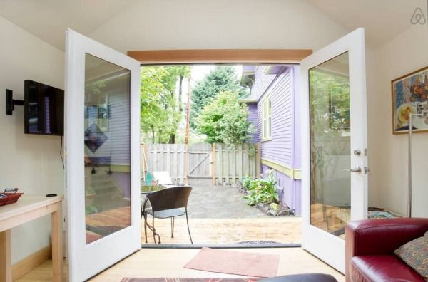Purple Tiny House Vacation in Portland, OR Photo, love the open door plan, seems bigger, love the bathroom