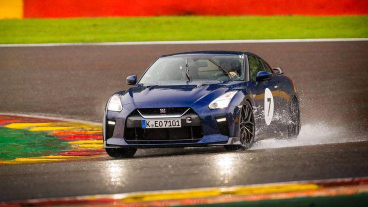 Check out the Nissan GT-R #nissan #supercar  BASE PRICE: $111,585 DRIVETRAIN: 3.8-liter turbocharged V6; AWD; six-speed dual-clutch OUTPUT: 565 hp @ 6,800 rpm; 467 lb-ft @ 3,300 - 5,800 rpm CURB WEIGHT: 3,933 lb (est) 0-60 MPH: 2.7 sec (mfr) FUEL ECONOMY: 16/22/19 mpg (est)   Read more: http://autoweek.com