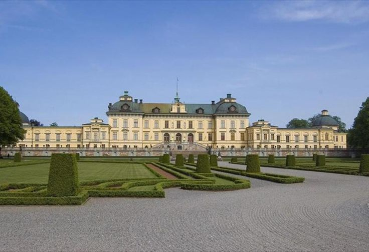 Σουηδία: Στοιχειωμένο το βασιλικό ανάκτορο λέει η βασίλισσα Σίλβια