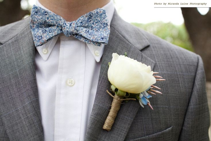 Google Image Result For Http Wedding Pictures 01 Onewed 28490 Mens Attire Groom Wears Blue Bow Tie Fl Print Grey Tailored Suit Jpg