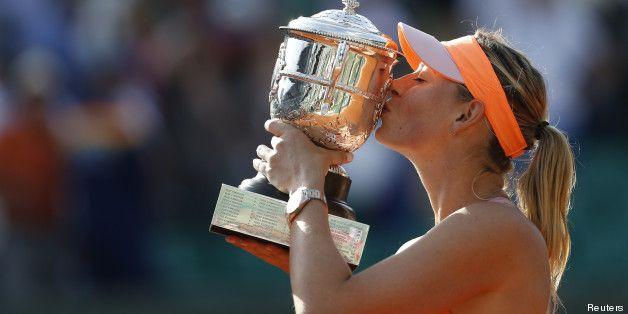 Maria Sharapova remporte la finale Dames de Roland-Garros face à Simona Halep