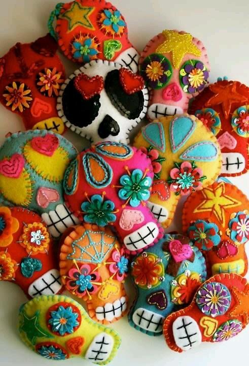 De colores es la calavera... De colores el día de muertos. Alegría. La muerte es alegre en México. Slvh