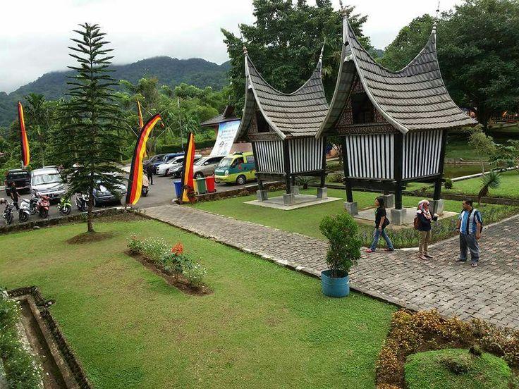 Rangking di Pusat Dokumentasi Minangkabau
