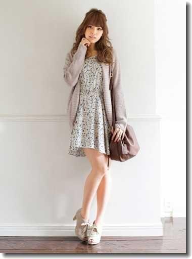 グレートーンでまとめて可愛大人なガーリースタイル♪ 大学生スタイル ファッションのコーデまとめ♡