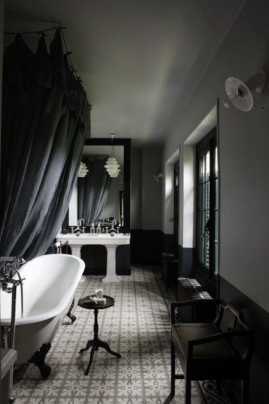 Website Photo Gallery Examples Exquisite Black Rooms that Create Cozy Drama