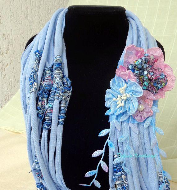 Collana di stile boho, shabby chick,   fiori di nastro, di moda, Bohostyle, ribbonwork