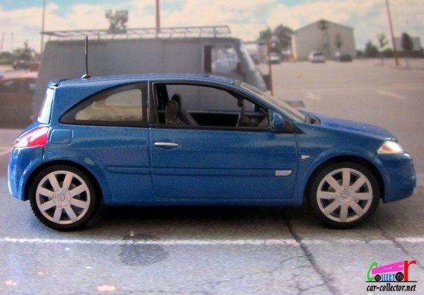 Renault Mégane RS de 2004 avec jantes 18 pouces, échelle 1/43 de chez Universal Hobbies, made in China. 4CV R4 R5 R6 R7 R8 R9 R10 R11 R12 R14 R15 R16 R17 R18 R19 R20 R21 R25 R30 ALPINE CLIO DAUPHINE ESPACE FLORIDE FREGATE FUEGO JUVAQUATRE KANGOO LAGUNA...