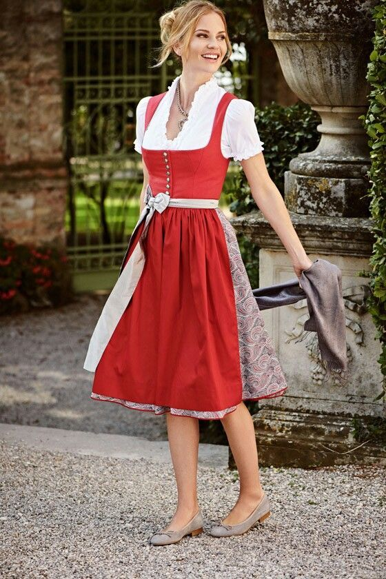 Traditional fashion 2018   Wimmer tailors   Favorite Models 2018   Wimmertracht.at   #Dirndl #Downwear   S❤️