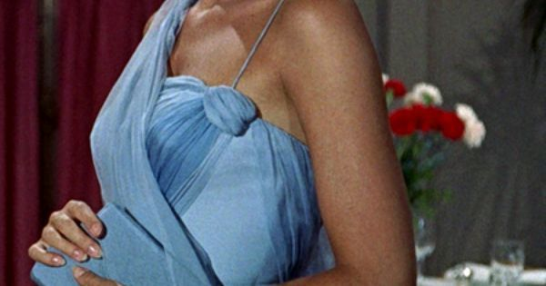 Grace Kelly as Frances Stevens in To Catch A Thief | Princess Caroline | Pinterest | Blue clutch bags, Blue gown and Grace o'malley