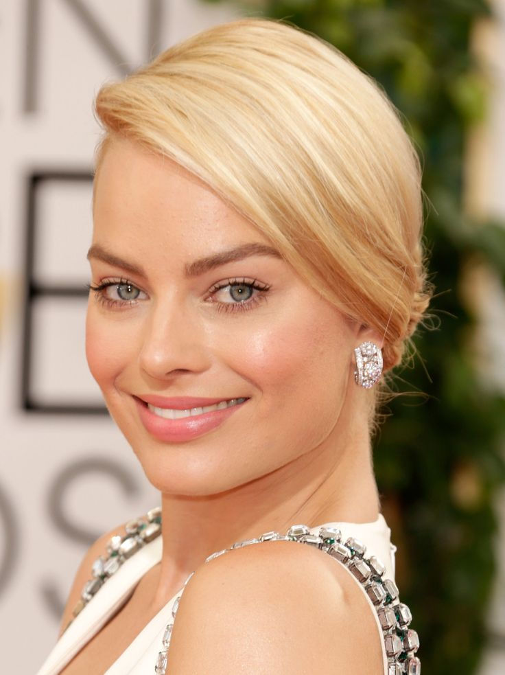 love this gorgeous and simple makeup look on margot robbie