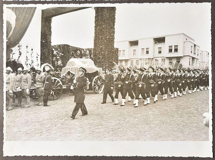 Büyük Başbuğ Atatürk'ün İstanbul ve Ankara'daki Cenaze Töreni Fotoğrafları 18. Bölüm