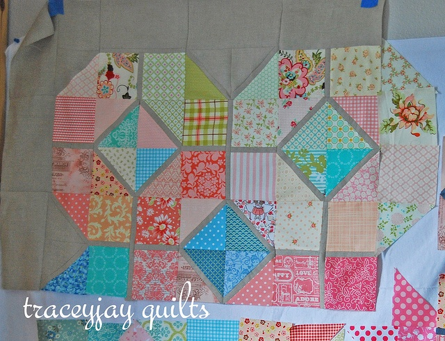 Scarletu0027s Bedroom Quilt By Traceyjay, Via Flickr...love The Small Outlining  Of