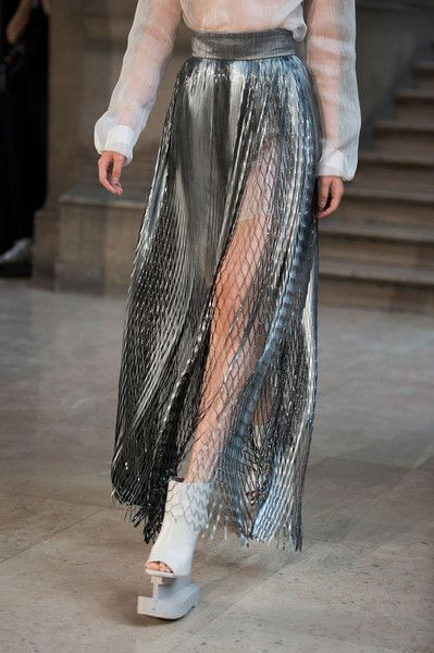 Iris Van Herpen at Paris Fashion Week Spring 2016 - Details Runway Photos