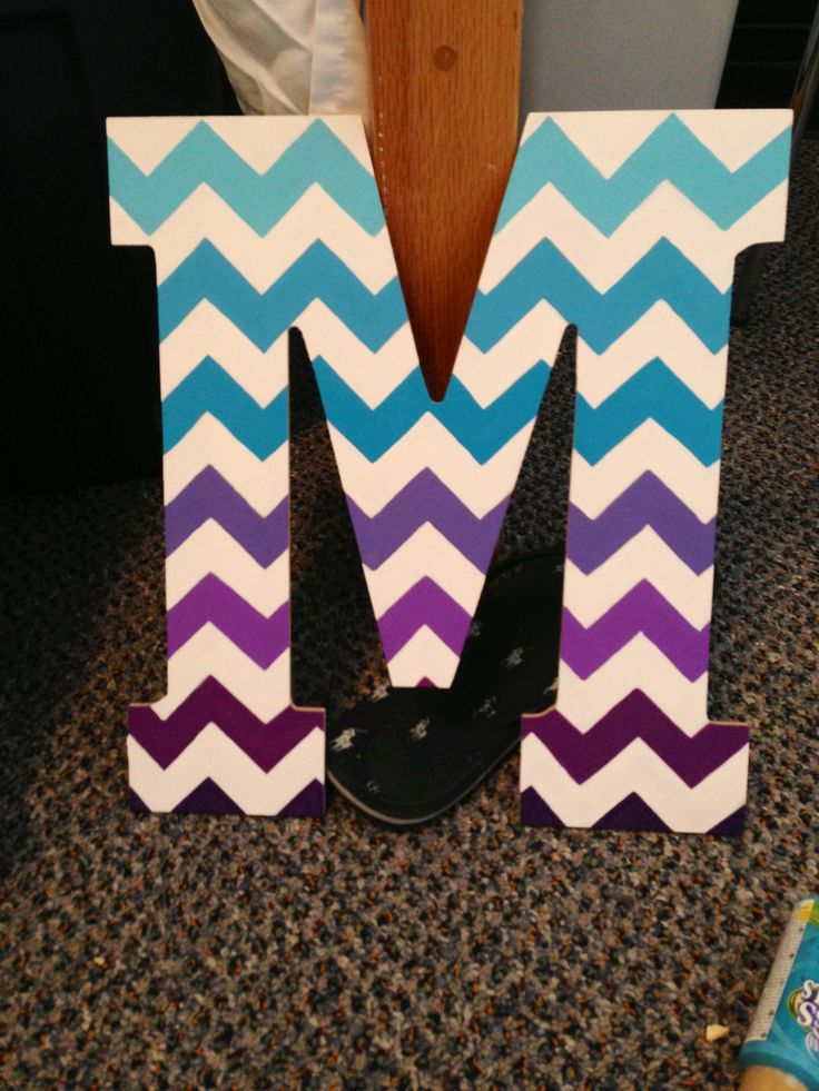 Wood painted initial #diy #chevron #ombre {E} doing this. would be adorable in polka dots too!<3