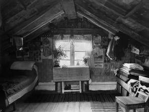 Inne i en backstuga i Småland. 1904. Fotograf: J. E. Thorin