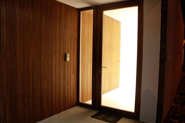 De houten bekleding loopt van binnen naar buiten
