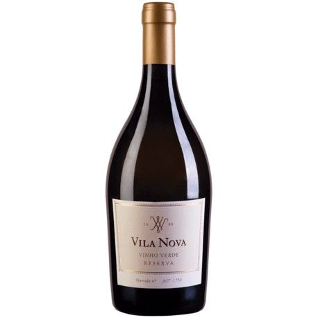 Vila Nova Reserva 2015 White Wine is a Vinho Verde DOC made exclusively from the Avesso grape variety, one of the best known and recognized wines of the Vinhos Verdes region - Green Wine Portugal  #vilanova #vinhoverde #greenwine #wine #verdewine #portuguesewine #wineshop #winestore #whitewine