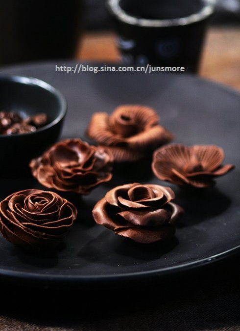 Chocolate flowers - step by step