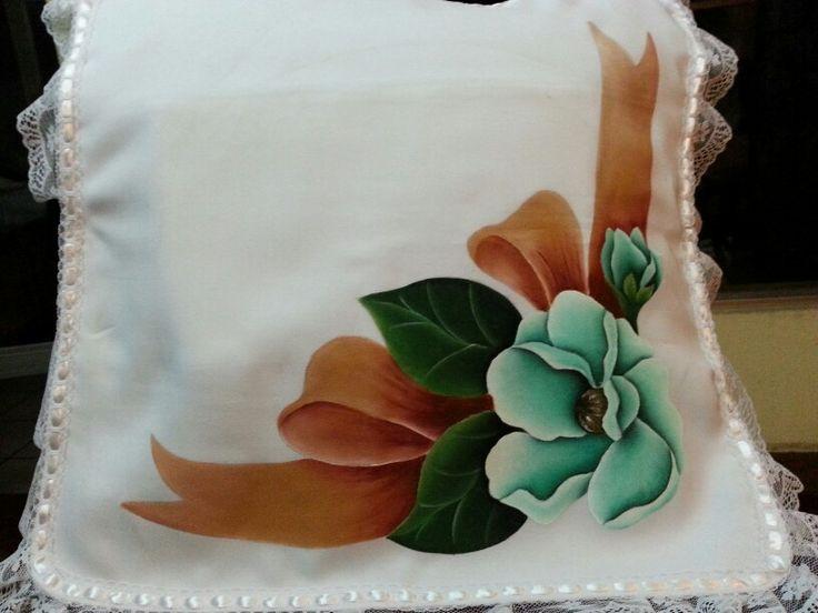 253 best pintura en tela cojines images on pinterest - Cojines pintados en tela ...