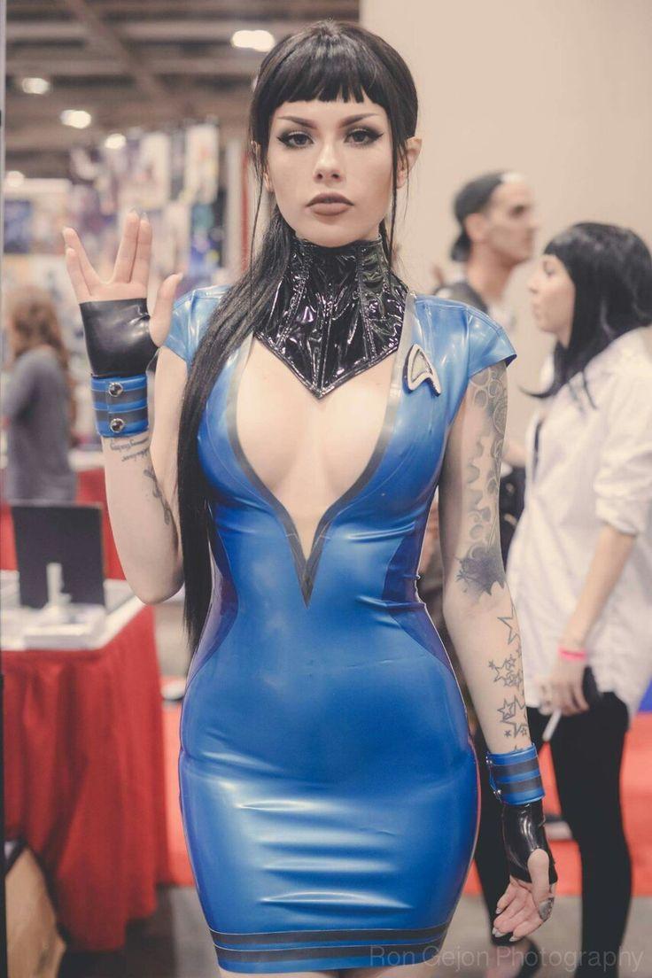 "cosplayheaven69: "" Cosplayer: Vera Bambi. Country: United States. Serie: Star Trek. Photo by: Ron Gejon Photography. https://m.facebook.com/verabambilive/ @verabambi """
