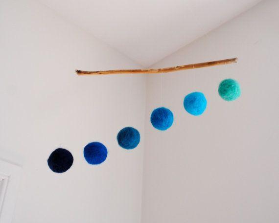 Ombre blu lana moderno Mobile Home Decor - Baby Mobile, vivaio Mobile, Mobile di Waldorf, il lettino Mobile - palline di lana minimalista