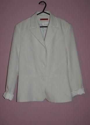 Kup mój przedmiot na #vintedpl http://www.vinted.pl/damska-odziez/marynarki-zakiety-blezery/16539338-elegancki-zakiet-w-bialym-kolorze