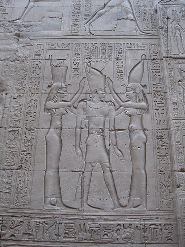 aboutegypt:    King coronation (?) relief, Temple of Horus at Edfu (by hewy)
