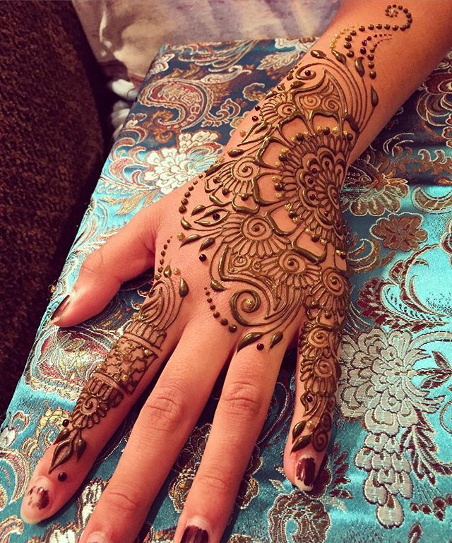 WEBSTA @ sarahennaseattle - More party henna! Some of my favorite events are…