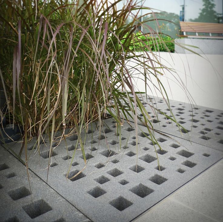 30 Ideas Of How To Integrate Tree Grates Design In The Urban Cityscape   http://www.designrulz.com/design/2014/07/30-ideas-of-how-to-integrate-tree-grates-design-in-the-urban-cityscape/