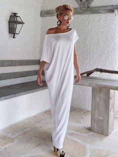 Maxi abito bianco / bianco Kaftan / asimmetrica Plus Size Abito Oversize sciolto abito / #35022 Questo vestito elegante, sofisticato, sciolto e confortevole, sembra così grande e stupefacente con un paio di tacchi come fa con appartamenti. Si può indossare per unoccasione speciale o può essere il vostro vestito confortevole tutti i giorni. >>> Vedere la tabella di colore qui: https://www.etsy.com/listing/235259897/viscose-color-chart?ref&#x3...