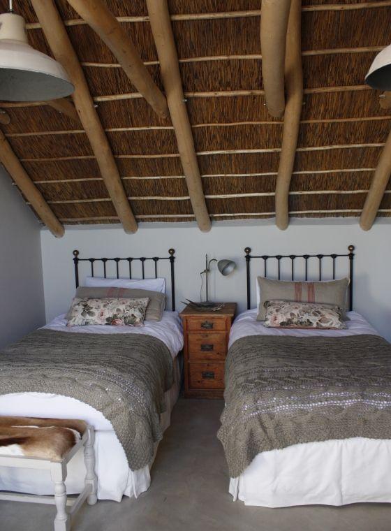 http://www.perfecthideaways.co.za/Details/Zonnestraal-Beach-House?Itemid=