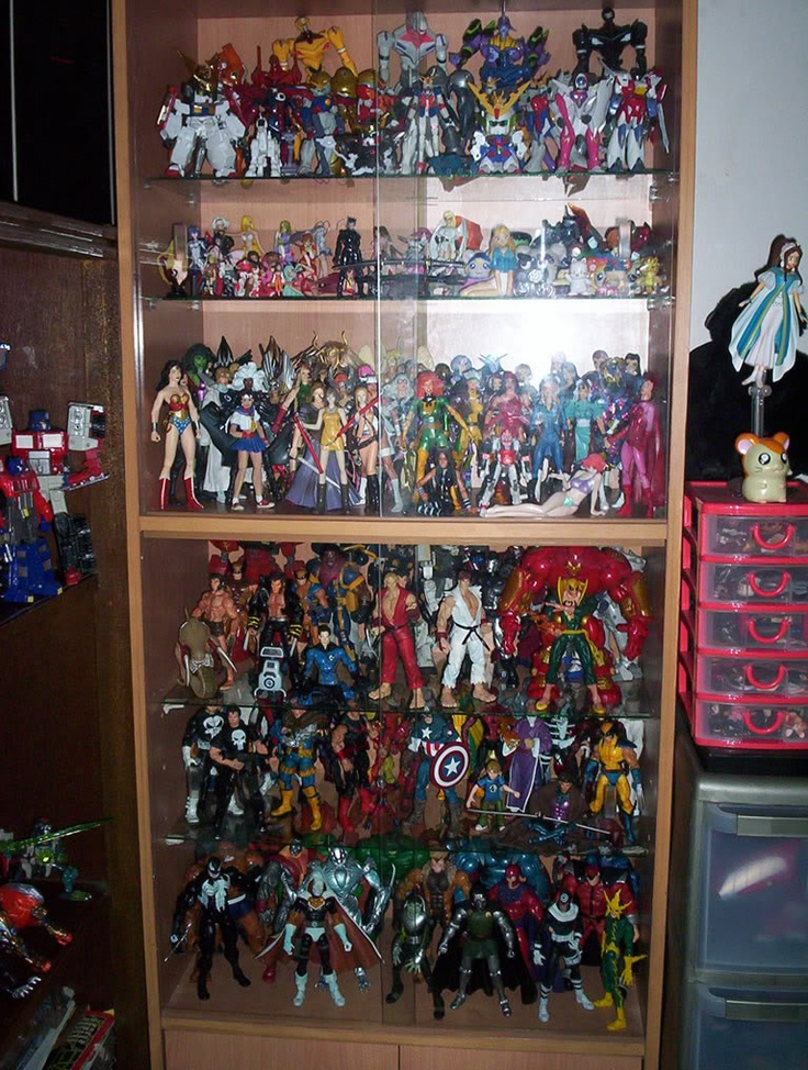17 best images about comic book storage on pinterest vinyls shelves and comic books - Comic book display shelves ...