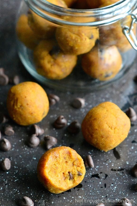 You only need 4 ingredients and 15 minutes to make these Paleo energy bites. The perfect Fall snack! | Find the recipe on NotEnoughCinnamon.com #snack #pumpkin