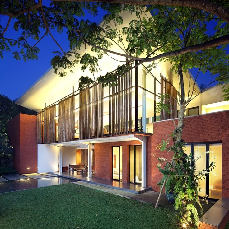 House In Nursery / Rudi Kelana, Gerard Tambunan Architects: Wahana Cipta Selaras Principals: Rudy Kelana and Gerard Tambunan Location: Jakarta, Indonesia Structure Consultant: Ricky Theo Main Contractor: PT. Wahana Cipta Selaras Interior: Fenny Angka Lighting: David Liming Project area: 300 sqm Project year: 2007 – 2008 Photographs: Fernando Gomulya