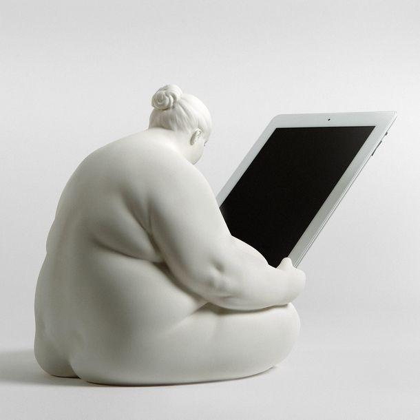 Venus of Cupertino iPad dock