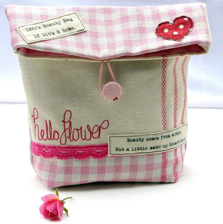 Easy sew makeup bag, can also be a lunch/ snack bag if made out of oil coth