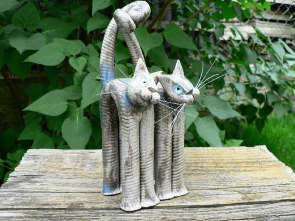 Hetényi Vera keramikus cicái