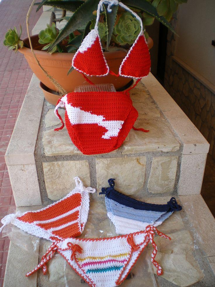 | costumini uncinetto bimba in vari disegni ( capi unici riproducibili nel genere e non nel disegno)  Slip solamente oppure bikini COD. 216